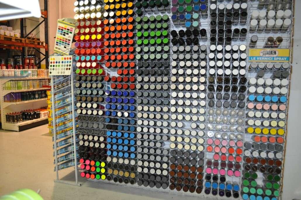 Colori vernici spray : Vernici spray u colorificio cernuschese
